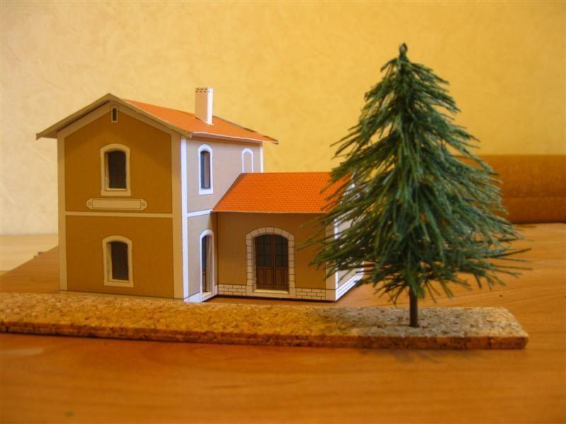 un arbre est n. Black Bedroom Furniture Sets. Home Design Ideas